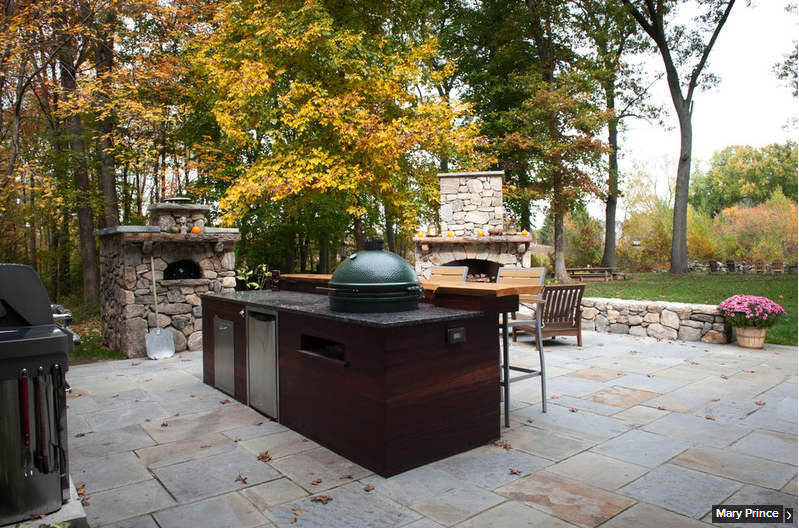 20 Outdoor Rooms With Entertaining Flair